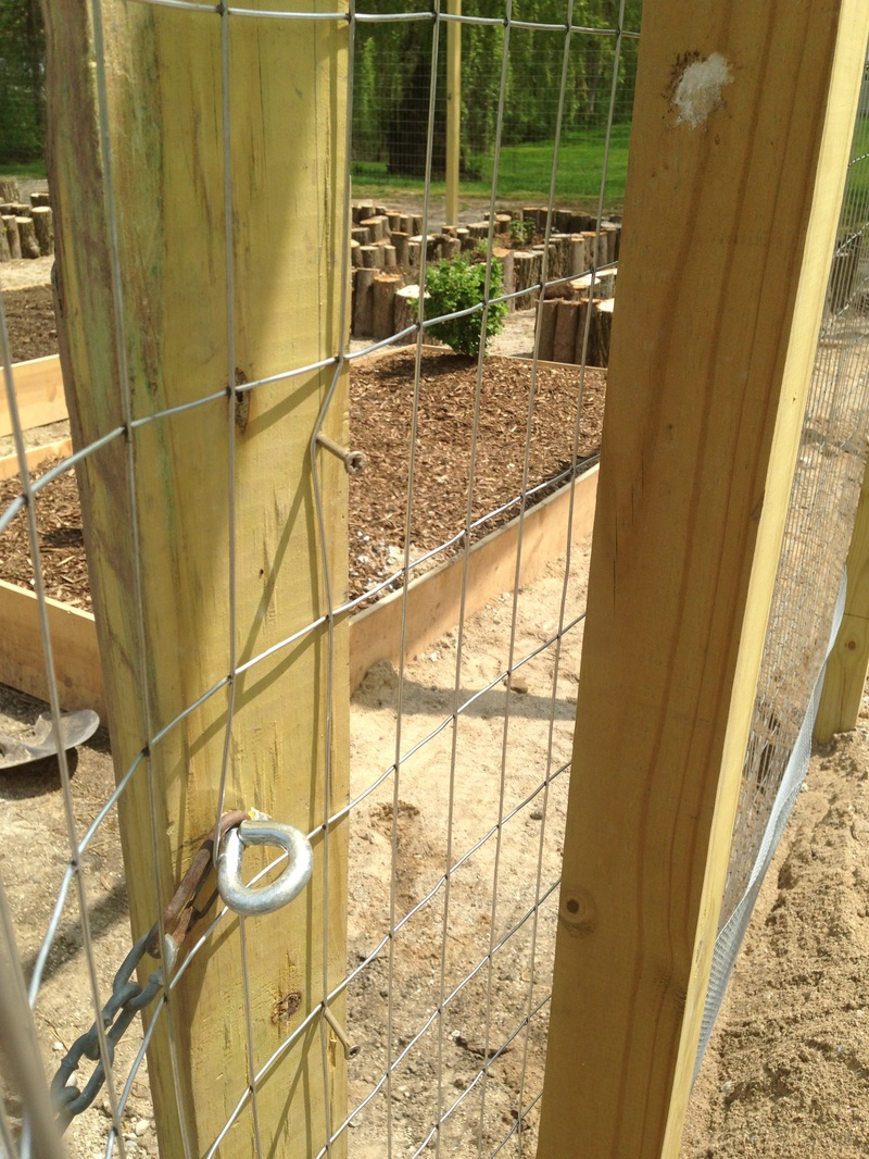 How to build a DIY fencing stretcher